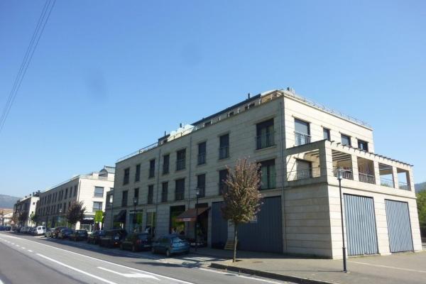 arquitectura-luvai-residencial-edificio-poligono2-p1580127970FC7BD-A0BA-7C66-62A7-B451AA2A9BF4.jpg